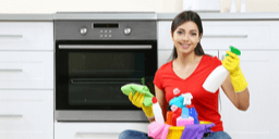 The Must-Dos (and 4 Definite Don'ts) When Cleaning an Oven