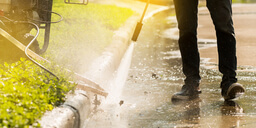 5 Signs You Need a High Pressure Washing Professional